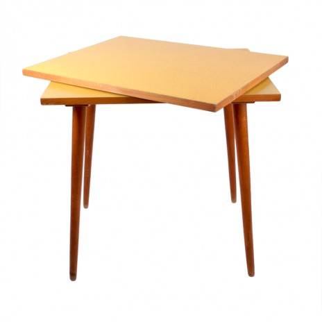 Table with rotary trestleboard